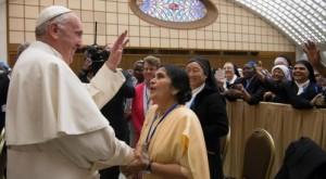 El Papa y las superioras generales 1
